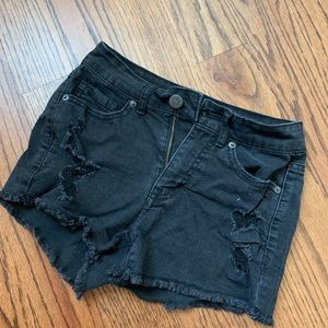 Black Distressed high waisted SHORTY-Shorts